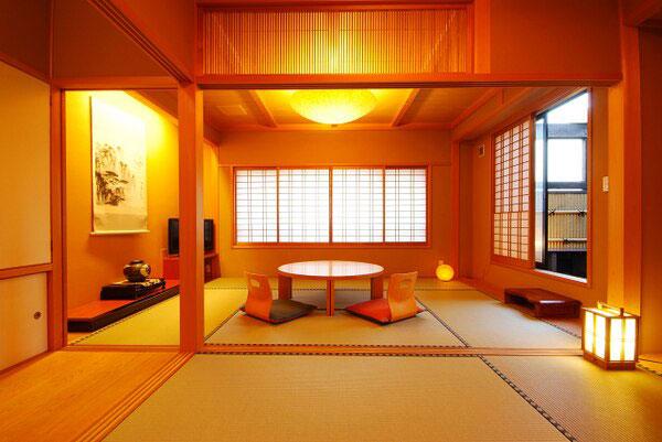 湯宿川本屋