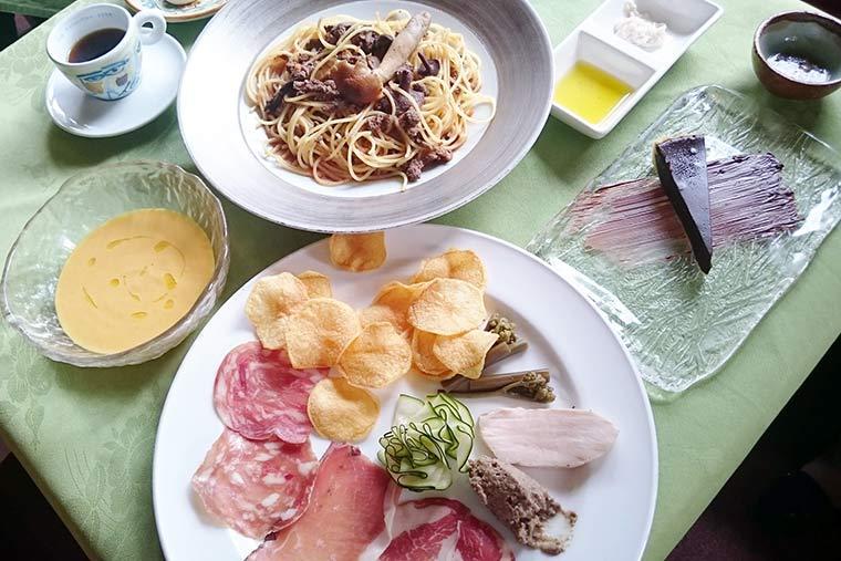 イタリアンレストラン「アル・ロドデンドロ」