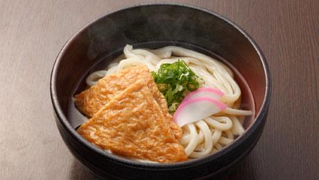 Les nouilles « kitsune udon » au tofu frit