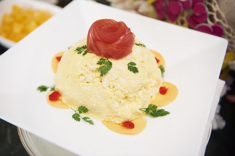 東京ディズニーランドホテル シャーウッドガーデン・レストラン 朝食ビュッフェ 美女と野獣 ベル エッグサラダ