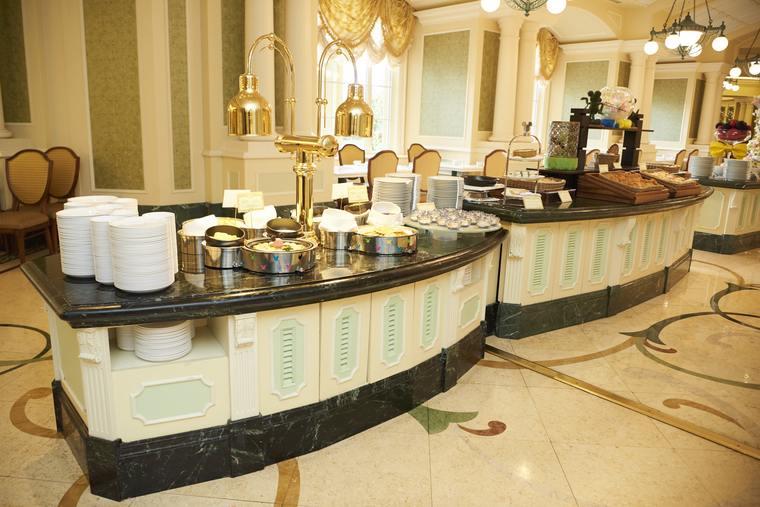 東京ディズニーランドホテル シャーウッド・ガーデンレストラン 朝食ビュッフェ台