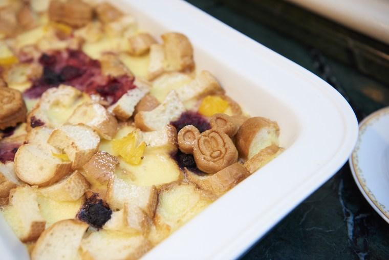 東京ディズニーランドホテル シャーウッドガーデン・レストラン ミッキーマウス「ミックスベリーとオレンジのパングラタン」