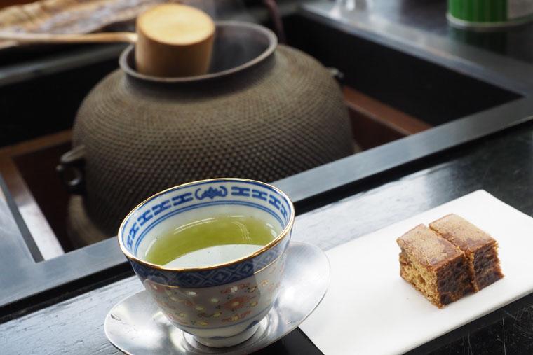 木田芳香園の煎茶と野田の黒棒