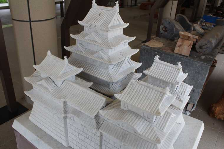 大理石加工展示館の大理石でできた城