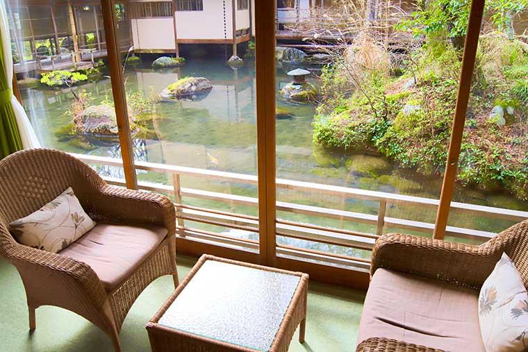 新井旅館「桐の棟」の客室