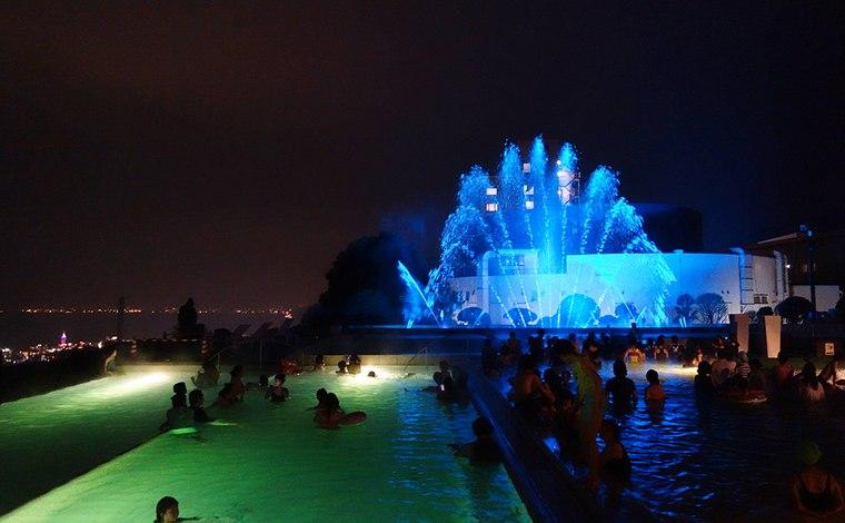 別府温泉 杉乃井ホテル「アクアガーデン」噴水ショー