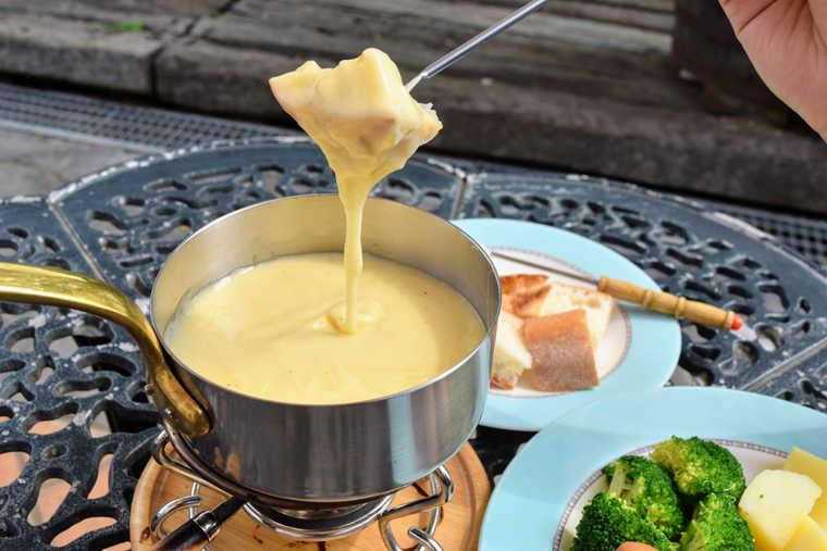 ハイジの村 レストラン ボルケーノ ハイジの好きなチーズフォンデュ