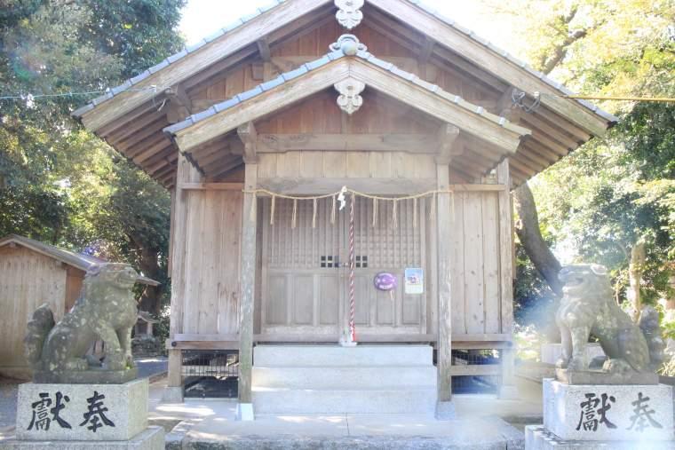 潤神社の社殿