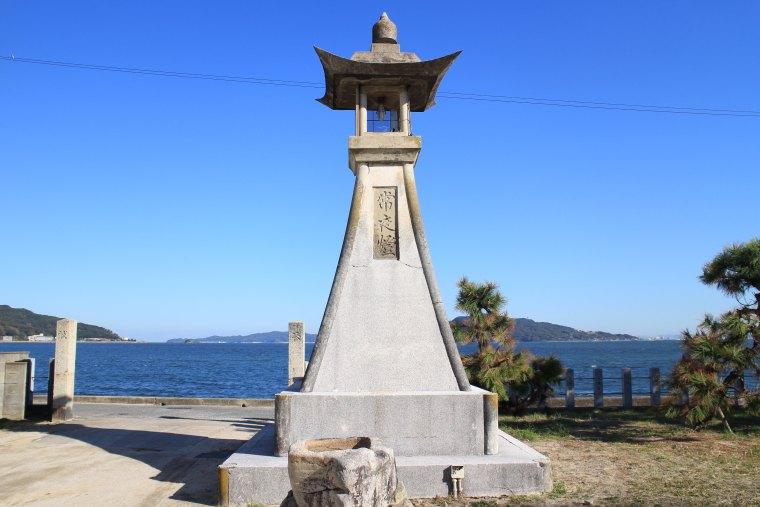 二宮神社の常夜灯
