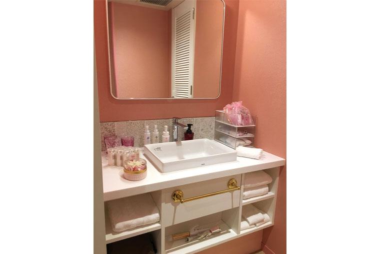 ホテルユニバーサルポート 「Girlyルーム」 洗面スペース