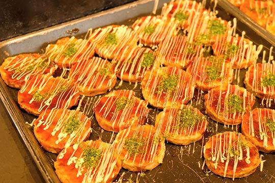 たこ焼き・串カツ・お好み焼きなど「大阪の味」コーナー