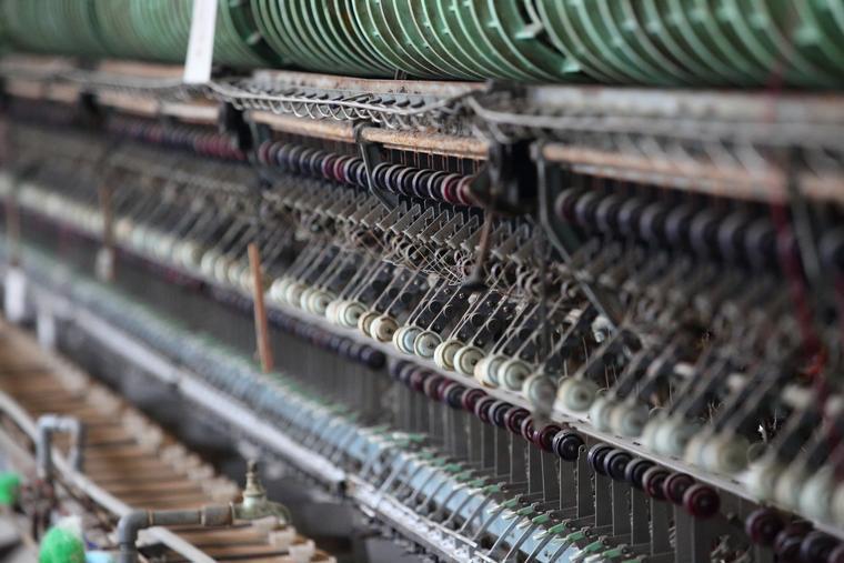 世界遺産「富岡製糸場」繰糸所  自動繰糸器