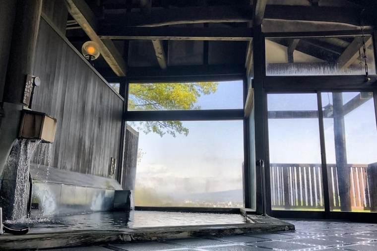 「錦山荘」で絶景温泉を堪能