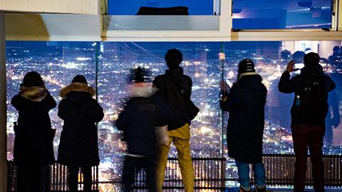 函館山ロープウェイで楽しむ!きらめく函館の極上夜景