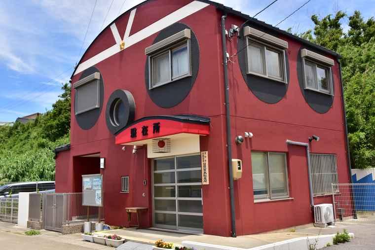 日間賀島 たこの形の駐在所