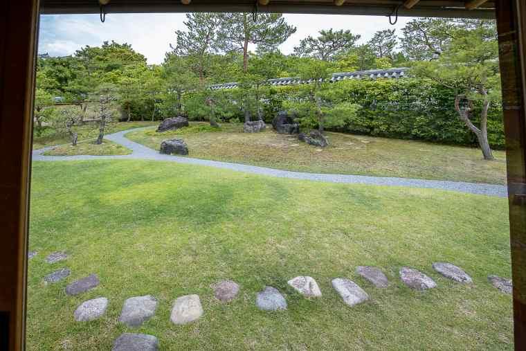 茶室から眺められる「茶の庭」