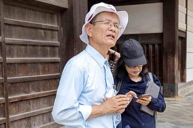 姫路城シルバー観光ガイドの白井章雄さん