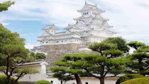 世界遺産・姫路城と好古園を親子で歴史探訪!姫路の名物グルメも堪能