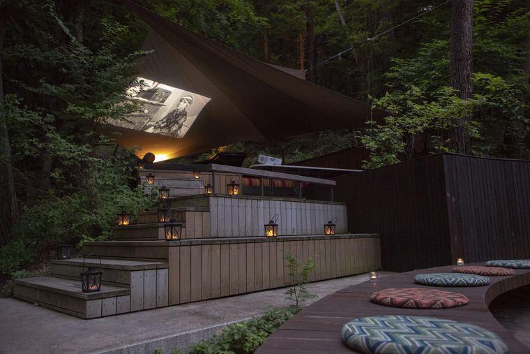 星のや富士のクラウドテラスにあるソファ席