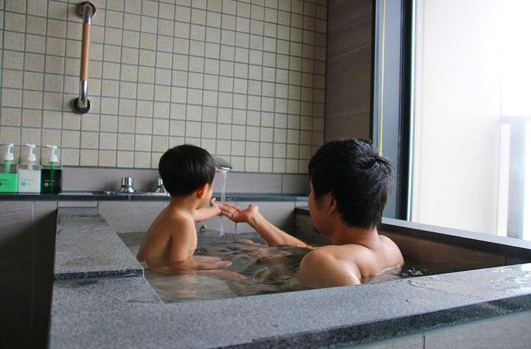 富士見亭の特別室の半露天風呂