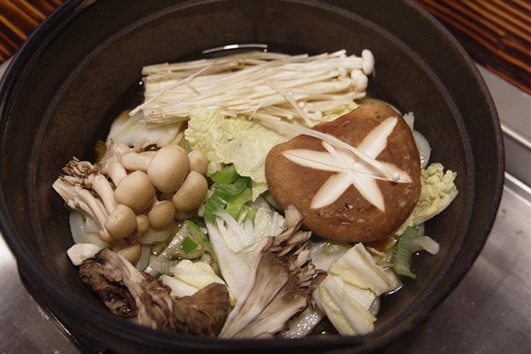 伊香保温泉 石段うどん きのこ鍋うどん 1,000円(税込)