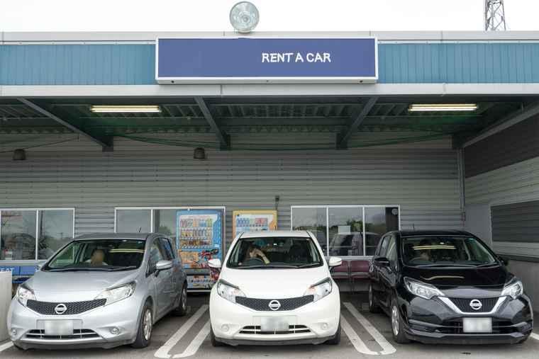 石垣空港付近のレンタカー
