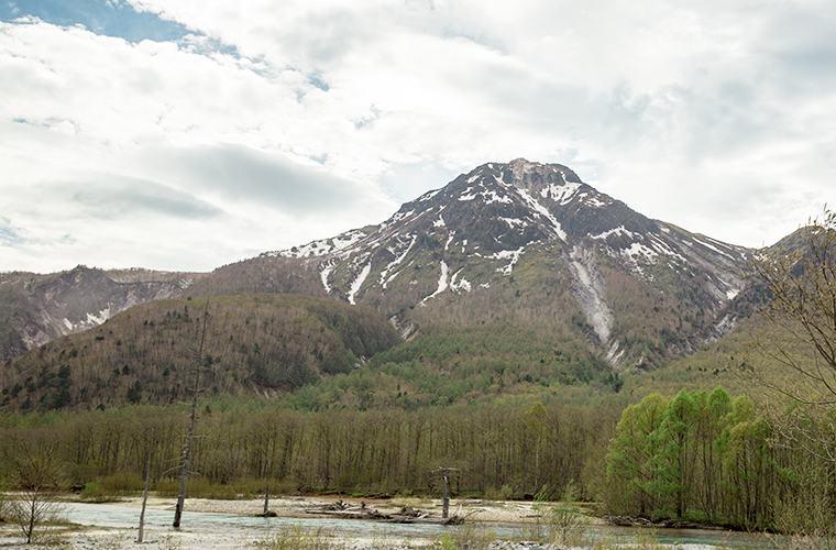 焼岳と大正池