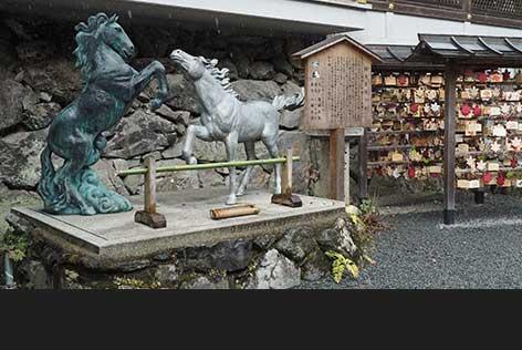 貴船神社は絵馬発祥の地です