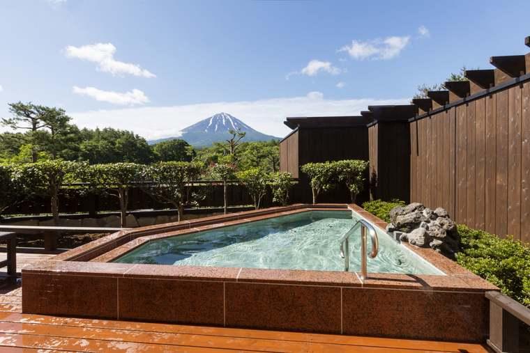 富士眺望の湯「ゆらり」のパノラマ風呂