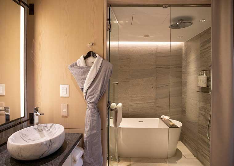キンプトン新宿東京 プレミア スイート ツイン バスルーム