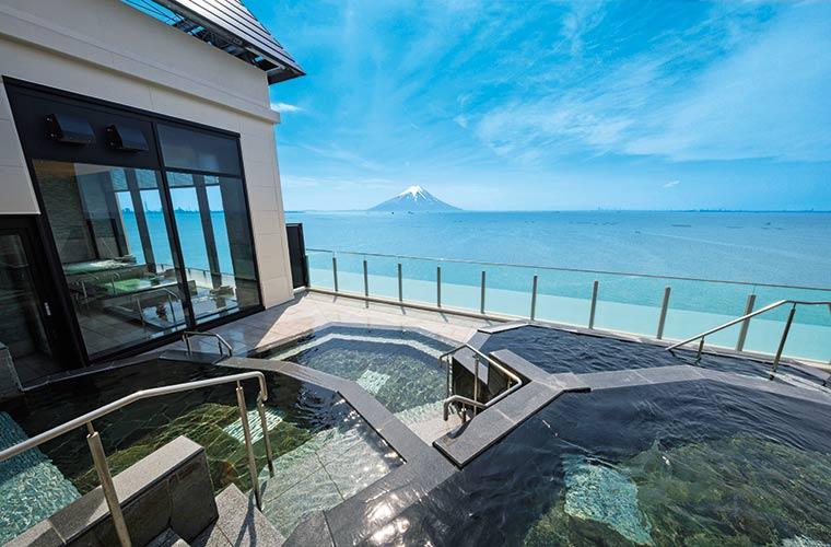 東京湾を一望できる眺望温泉