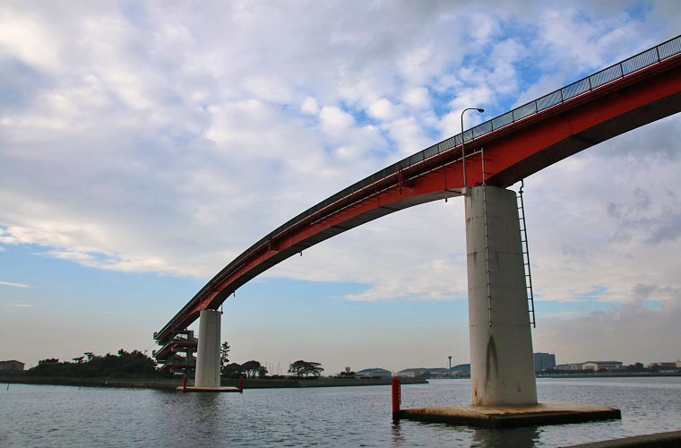 日本一高い歩道橋「中の島大橋」