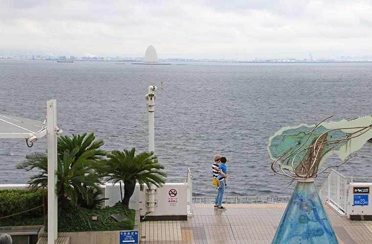 海ほたるから東京を望む