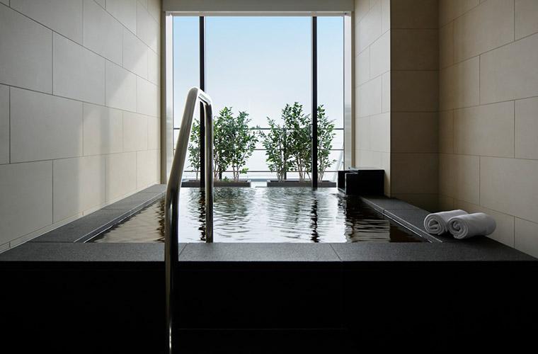 オーシャンスイートとハーバースイートには全室に半露天風呂が完備