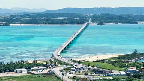古宇利島を絶景ドライブ!車で渡る沖縄離島