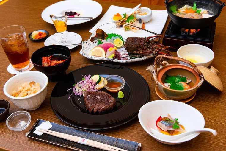 熊野古道 熊野倶楽部  熊野灘で獲れる良質の魚介類 ディナー