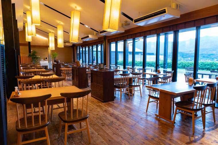 熊野古道 熊野倶楽部 温泉棟の隣にある食事処「馳走庵」で朝食