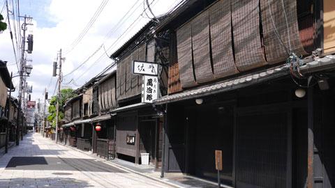 京都観光は朝が狙い目!王道スポットを3時間で回るモデルコース