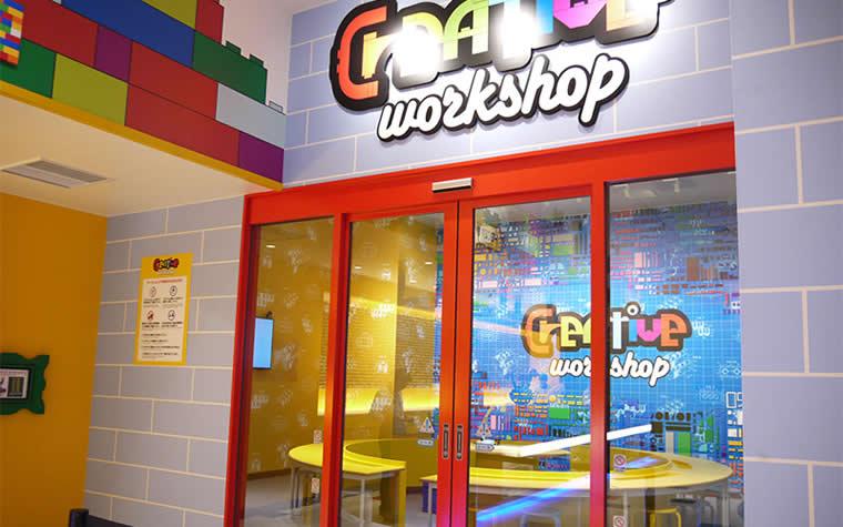 レゴの作り方を教えてくれる宿泊者限定の「クリエイティブワークショップ」