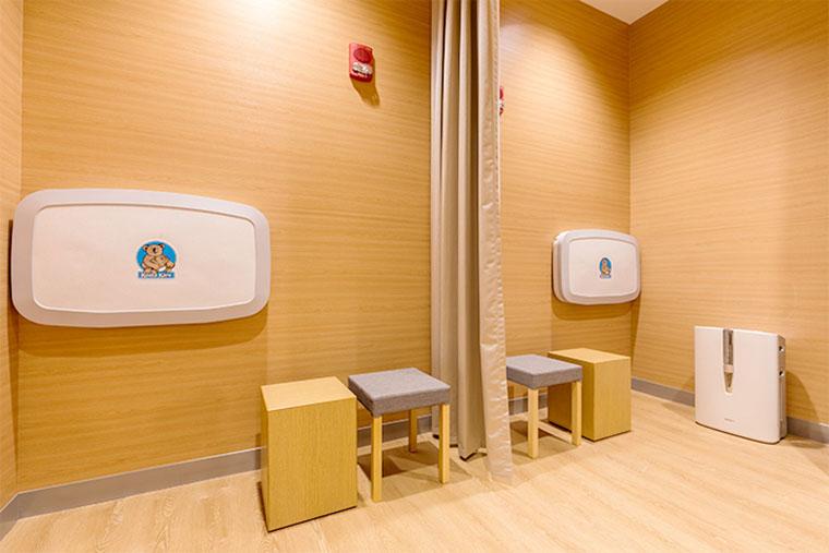 授乳室/おむつ交換台