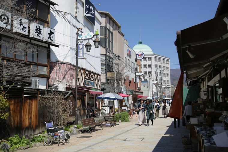 松本の縄手通り商店街