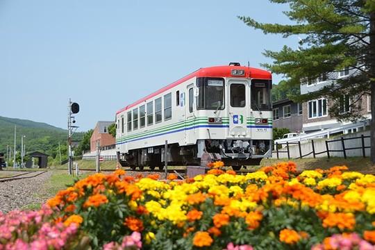 北海道の道の駅 オーロラタウン93りくべつ運転体験ができる「銀河号」