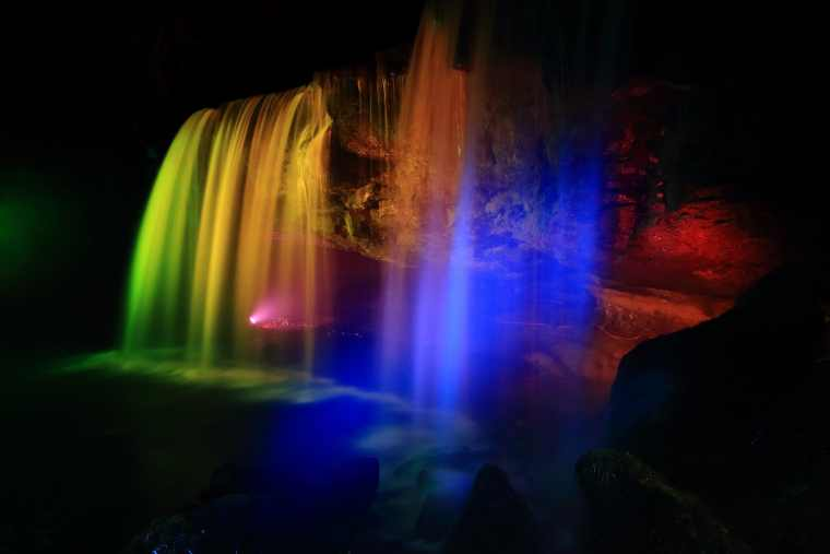 鍋ヶ滝のライトアップ