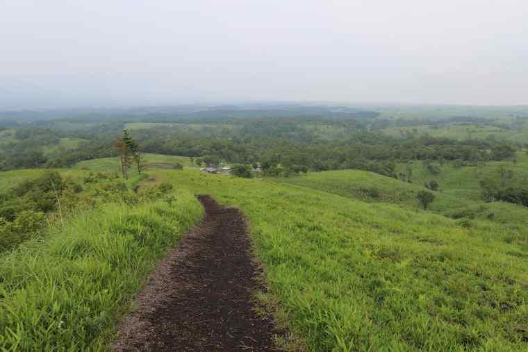 押戸石の丘からは大パノラマで遠くの阿蘇山や九重連山を見渡せる