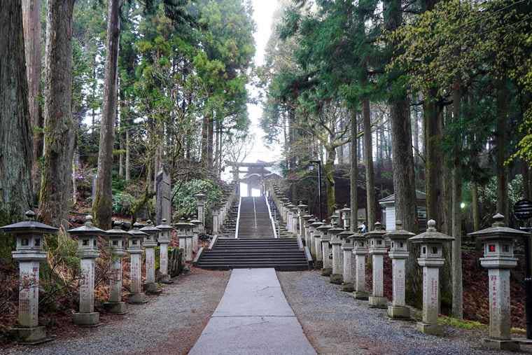 秩父 三峯神社 石段