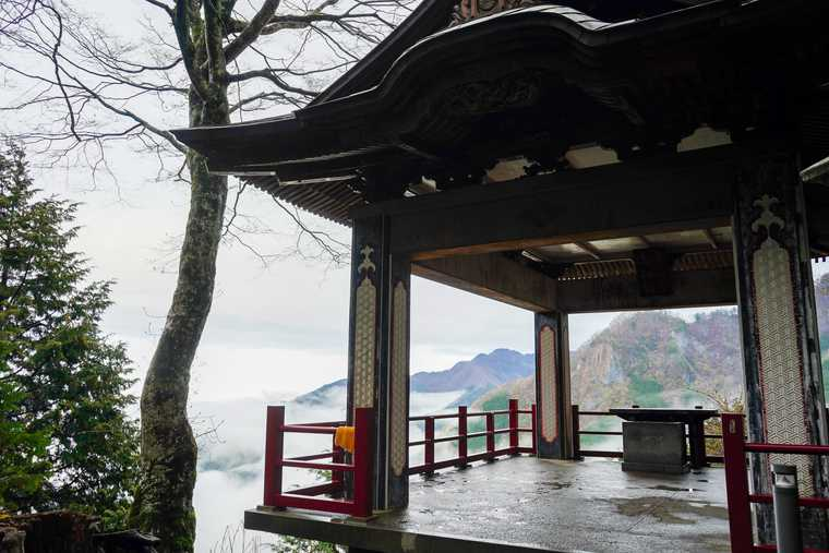 秩父 三峯神社 遥拝殿(ようはいでん)
