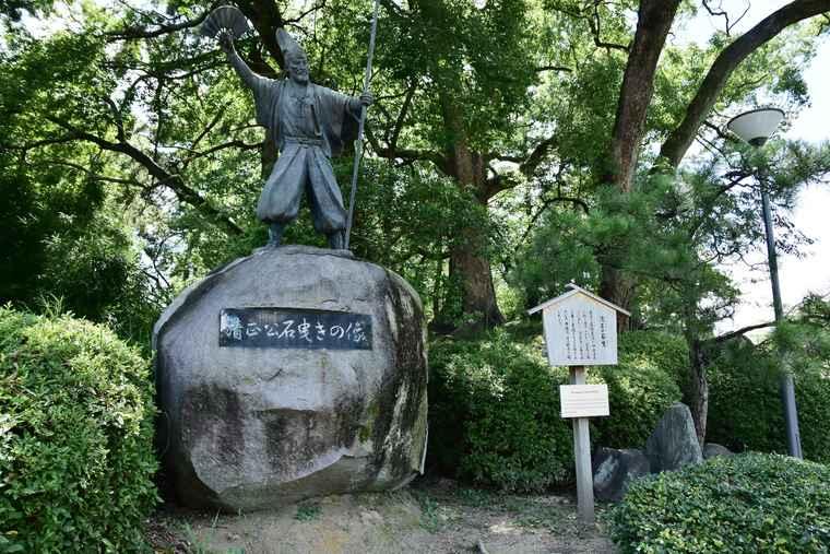 名古屋城 清正公石曳きの像