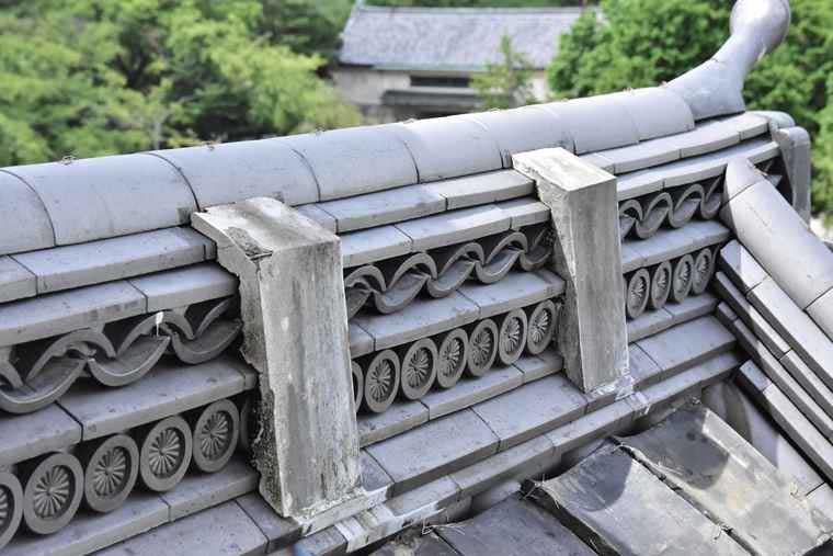 名古屋城 西南隅櫓の菊文様