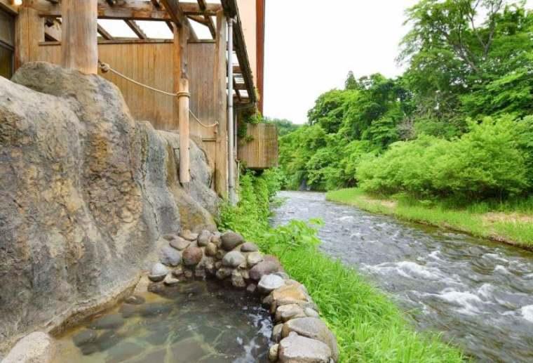 鉛温泉 藤三旅館 桂の湯