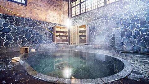花巻温泉郷「鉛温泉 藤三旅館」で宮沢賢治も愛した建築と名湯を堪能
